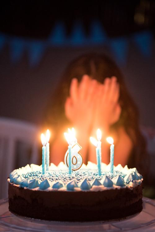 עוגת בריכה שכבר לא נשאר אור לצלם אותה (אבל בנינו עוגות זה לא הצד החזק שלי... אז מילא)